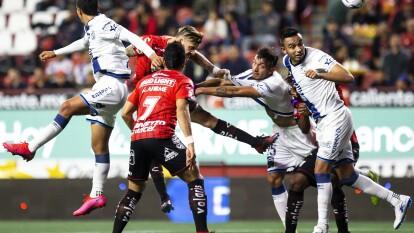 Con solitario gol de Christian Tabó, los Camoteros le pegan a los Xolos en su casa.