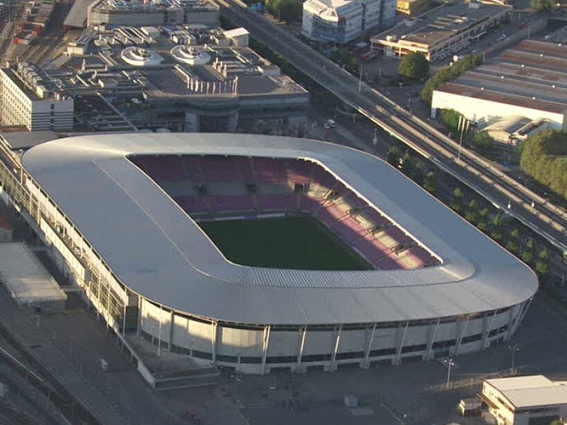 Stade Les Charmilles.jpg