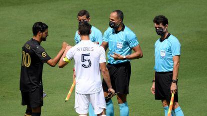 Carlos Vela jugó 58' tras salir lesionado del encuentro; el conjunto galáctico ganó 2-0.