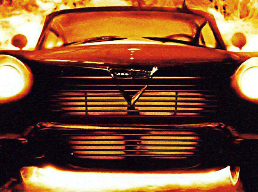 3. Christine de Stephen King: Un automóvil poseído por fuerzas sobrenaturales. En 1983 se estrenó la película.
