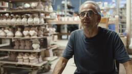 Rodo Padilla comparte el arte de trabajar la cerámica