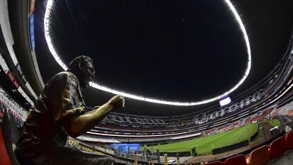 Simpre incondicional a las Águilas del América en el majestuoso Estadio Azteca, esta es la emotiva y llamativa historia de 'Nachito', la estatua de bronce que aprecia todos los partidos en este recinto.