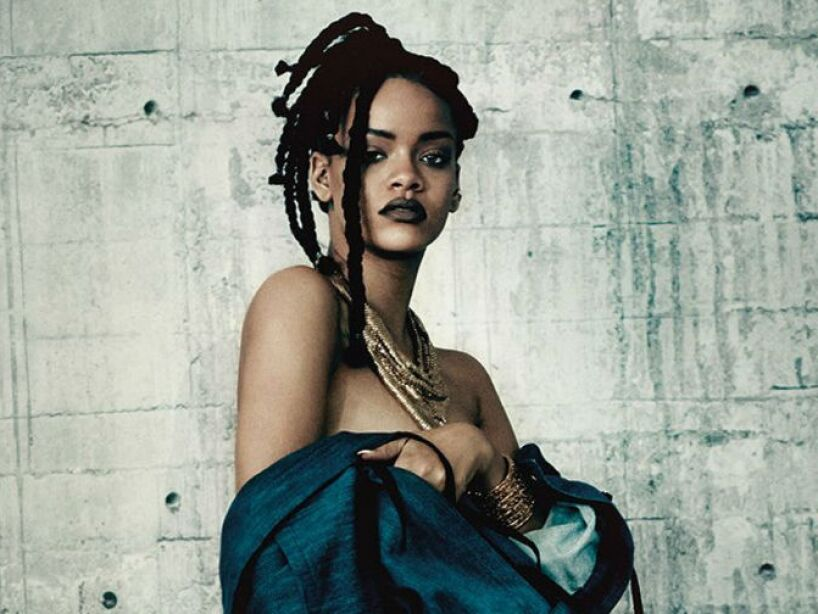 2. Rihanna: Durante la presentación del disco Rated R, en 2009, bromeó con ser una esclava de Satanás.