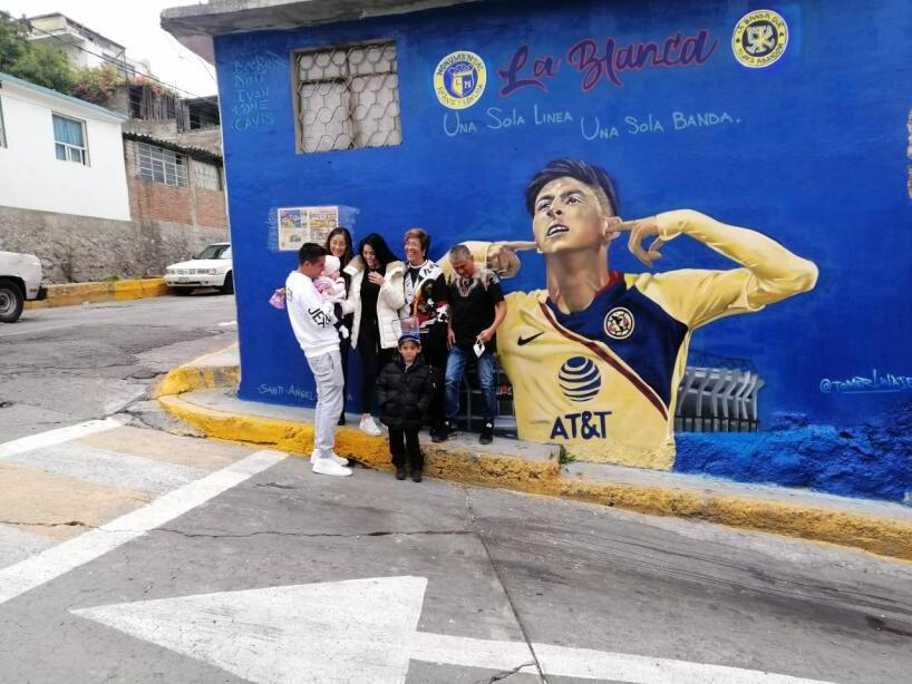 Mural edson Alvarez.jpg