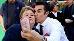 ¡Mira los divertidos bloopers de Adrián Uribe y el resto del elenco de 'Como tú no hay 2'!