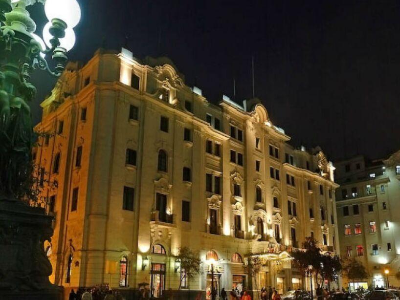 8. Hotel Bolívar: Ubicado en el centro histórico de Lima, sus más de 500 habitaciones han sido escenario de asesinatos y suicidios.