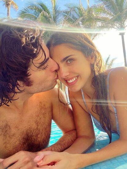 Michelle Renaud y Danilo Carrera se dieron una escapada romántica al paradisíaco puerto de Acapulco desde donde compartieron increíbles fotografías en redes sociales.