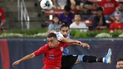 El equipo de las barras y las estrellas empata a un gol en casa ante la garra charrúa en partido amistoso. Los tantos fueron de Rodríguez al '50 y de Morris al '79.