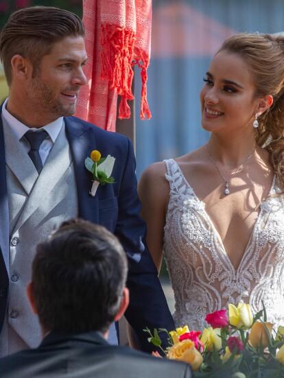Luego de una hermosa ceremonia religiosa, 'Rodrigo' (Horacio Pancheri) y Katya' (Gala Montes) celebraron con una gran fiesta su enlace matrimonial.
