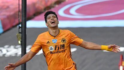 Raúl Jiménez volvió con gol a la Premier League | Wolverhampton volvió a la actividad de la Premier League venciendo 0-2 a West Ham.
