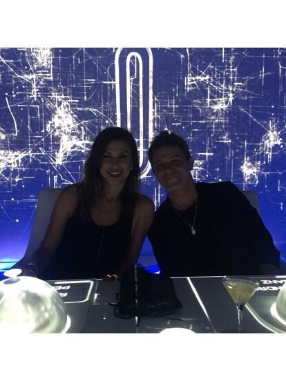 Alejandro Sanz y Raquel Perera se conocieron cuando ella trabajaba como la asistente personal del intérprete español, según el portal El mundo.