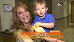 Daniela Castro recibe una grata visita en el foro