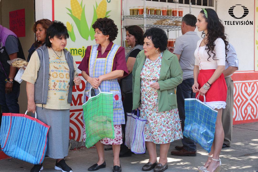 Fotos Dia De Las Madres Con Los Guapos Nosotros los guapos es una serie de sitcom mexicana del 2016 producida por guillermo del bosque para televisa, inicialmente estrenada en la plataforma de streaming blim y después en la cadena de televisión las estrellas el 8 de noviembre de 2016. fotos dia de las madres con los guapos